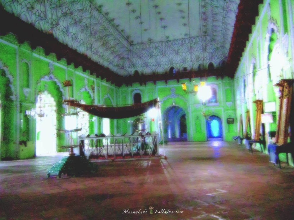 Bara-imambara-central-hall