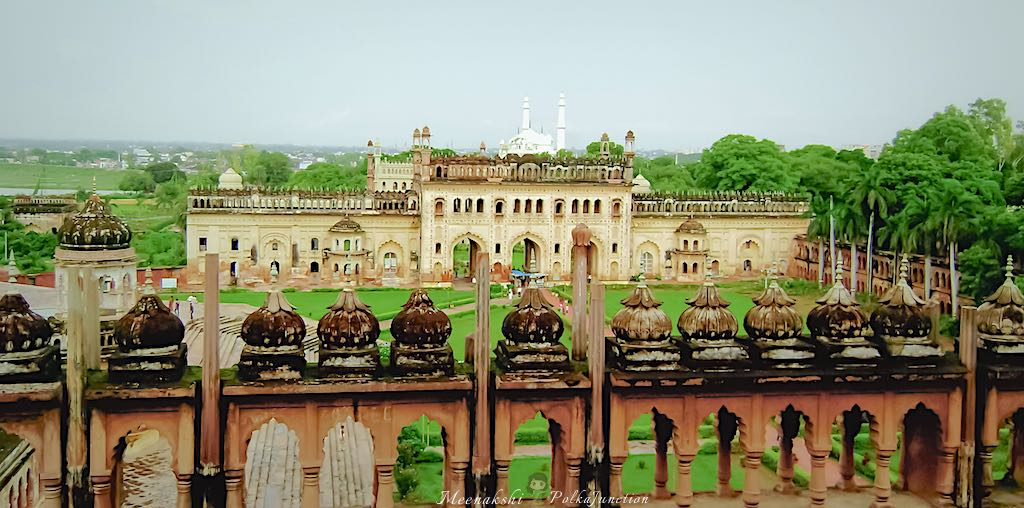 Roof top view of the Bada Imambara complex