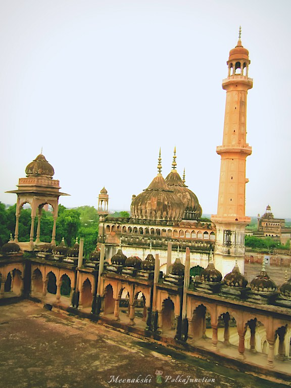 Lucknow-Bara-Imambara-roof