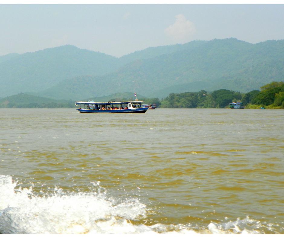 Long tailed boats