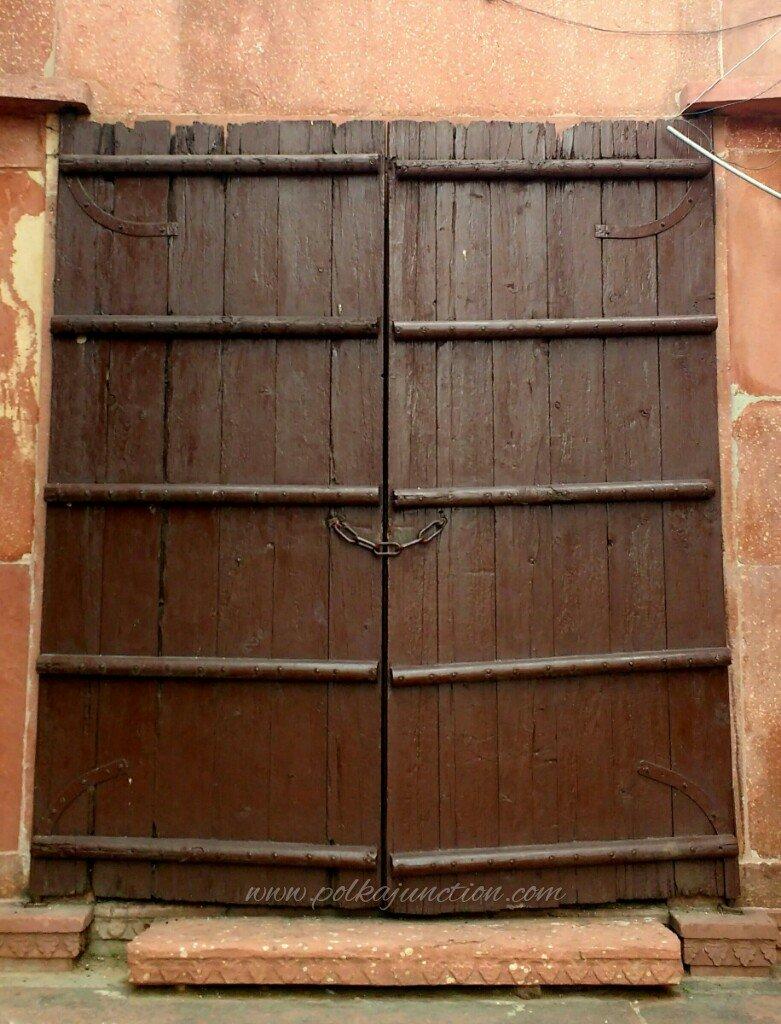 doors of the tajmahal