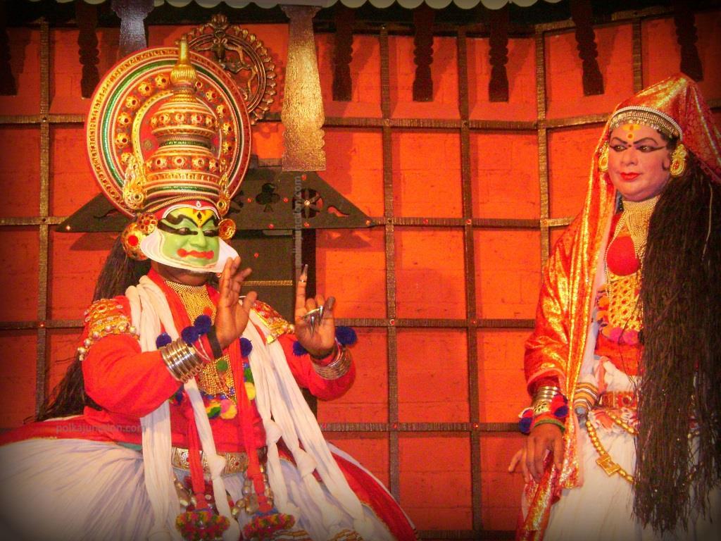 Kathakali-dance-performance-in-progress