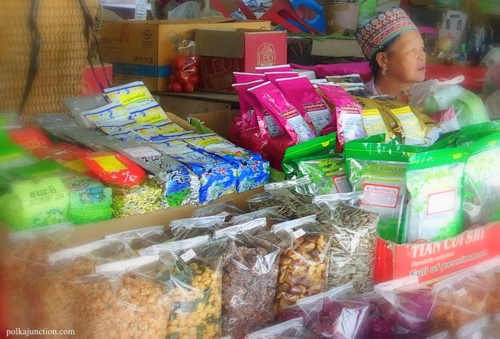 Karen-Tribe-market-Chiang Mai