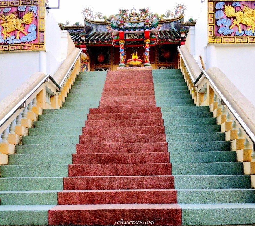 Chantaboon-waterfront-community-chinese-shrine