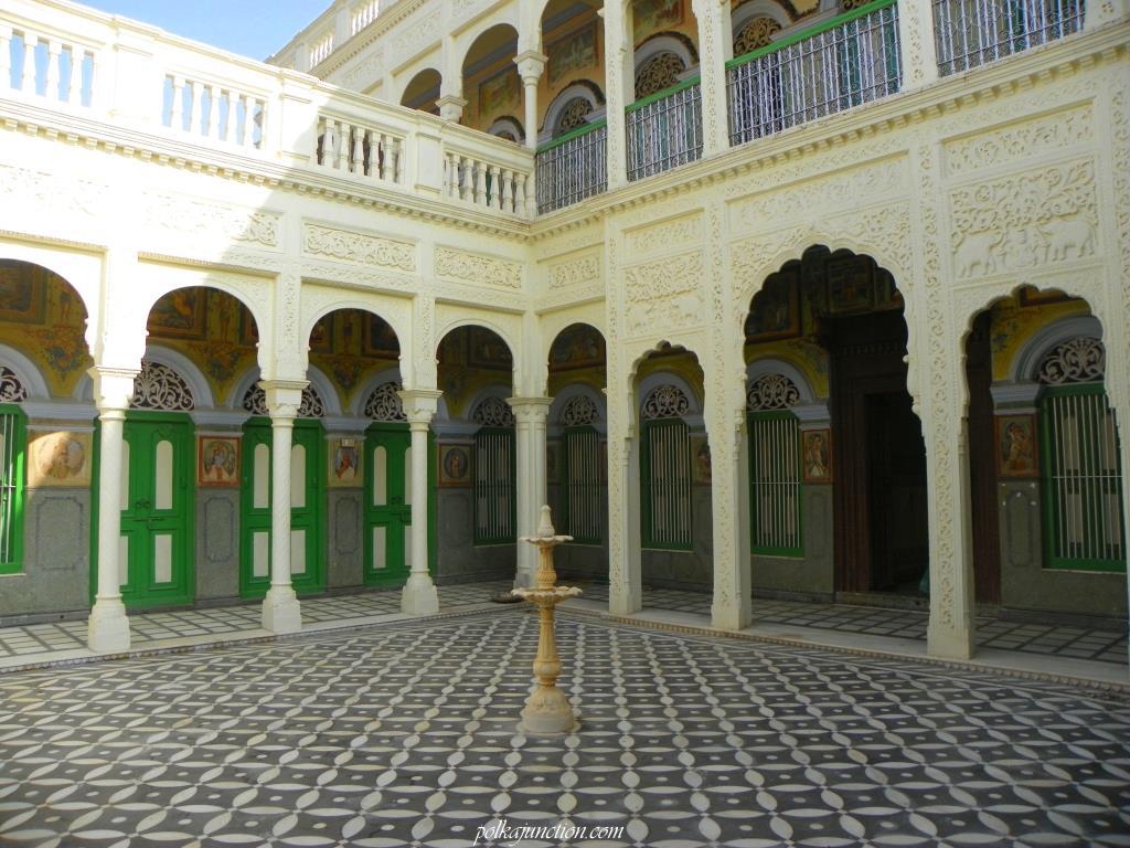 havelis courtyard shekhawati kajra