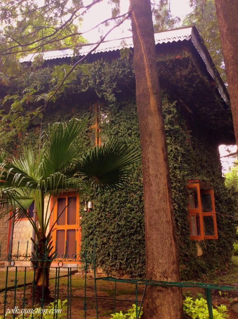 Sidhbari spiritual retreat rooms