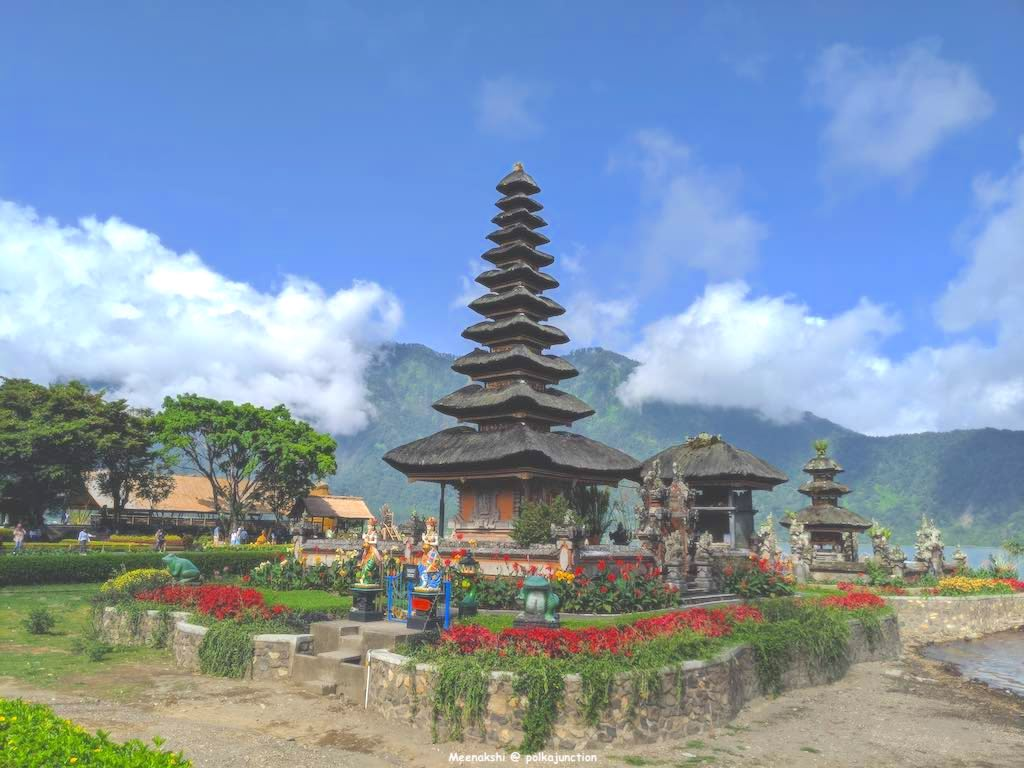 Bali-floating-temple