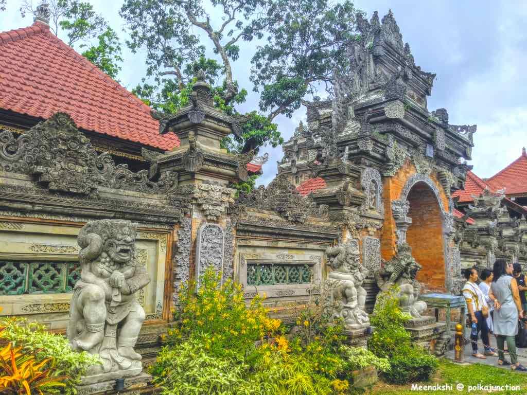 Bali-Itinerary-UbudPalace