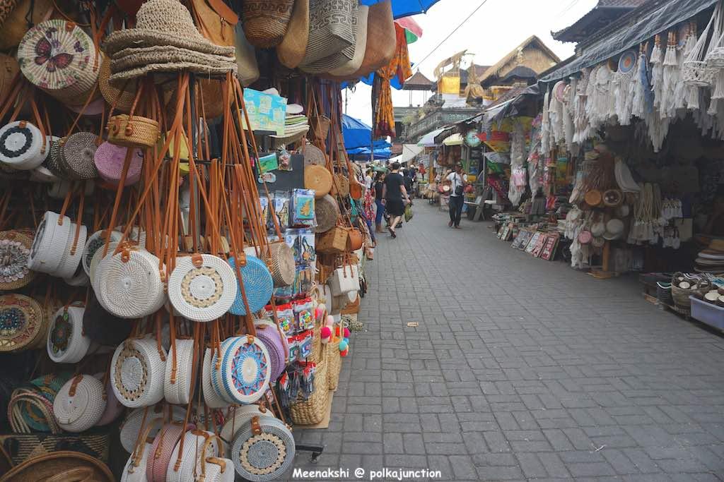 Bali-Ubud-Shopping