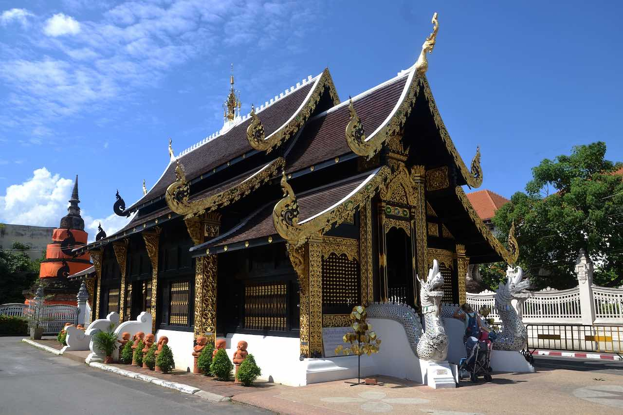 Black-temple-chiang-mai