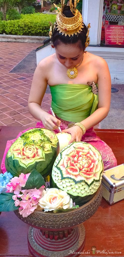 thai-fruit-carving-chiang-mai