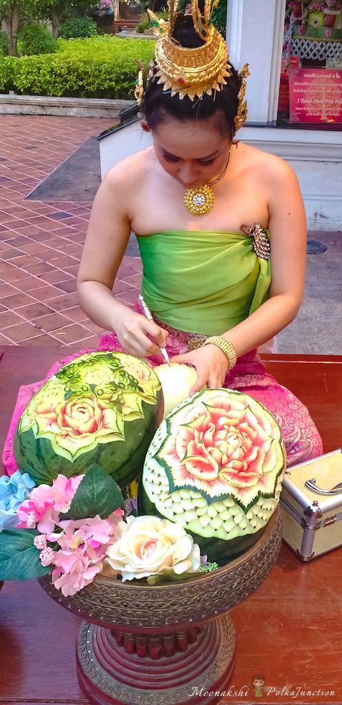 thai-fruit-carving-chiang-mai
