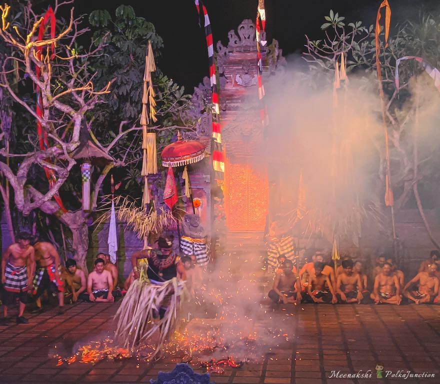 Sanghyang-fire-dance-kecak