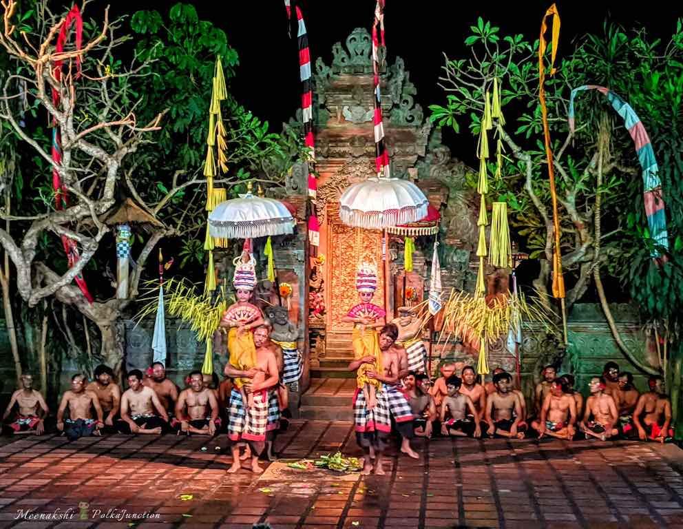 Sanghyang-dancers-Bali