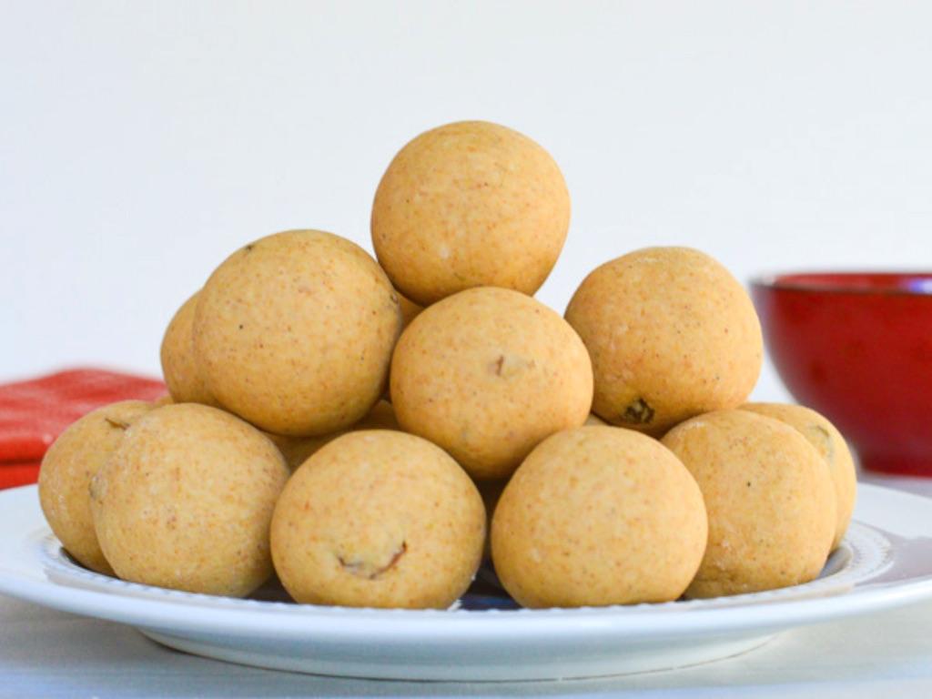 churmundo-traditional-indian-sweets